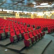 大型会议室教室桌椅装饰