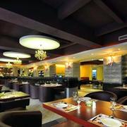 欧式西餐厅皮制沙发装饰