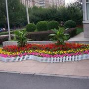 欧式别墅门前花坛装饰