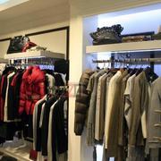 现代简约风格服装店设计