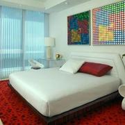 简约风格婚房卧室飘窗设计