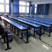 大学教室桌椅装饰
