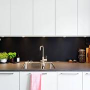 两室一厅厨房整体橱柜设计