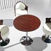 办公圆形木桌装饰