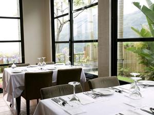 现代简约风格西餐厅设计