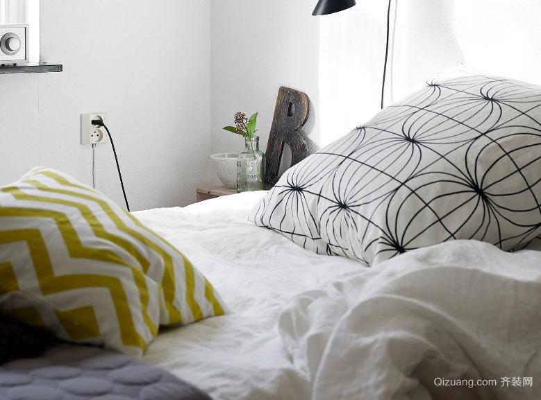 两室一厅黑白为主色彩点缀的公寓设计