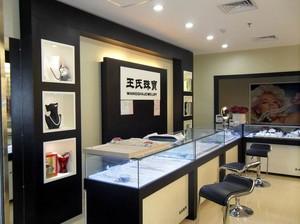 珠光宝气的珠宝产品展示柜装修效果图