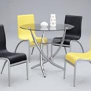 简约风格玻璃圆桌设计