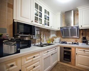 欧式L型厨房装修