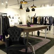 美式创意服装店灯饰设计