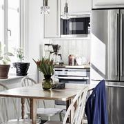 北欧风格公寓客厅餐桌设计