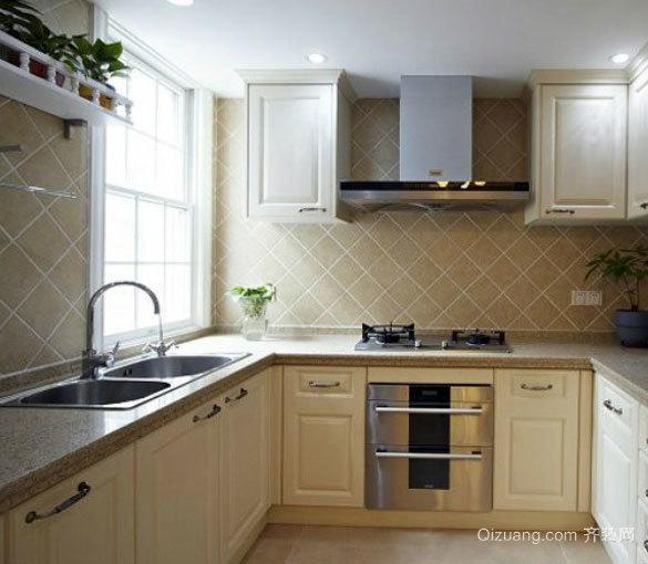 时尚原木设计:美式经典原木材料厨房装修效果图