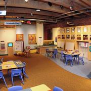 简约风格幼儿园原木吊顶装修
