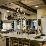 美式别墅原木厨房装修