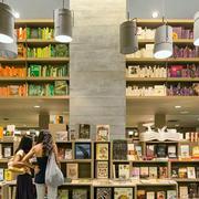大型都市书店整体书架装修