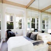 北欧风格卧室玻璃隔断