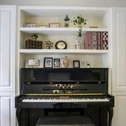 简约风格简易客厅钢琴装饰