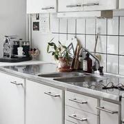后现代风格公寓厨房橱柜装修