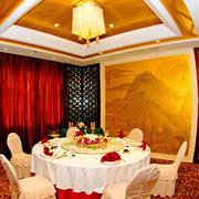 古韵餐厅屏风装修