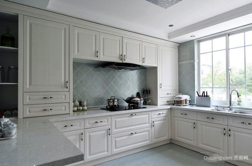 内外兼修的现代欧式小别墅厨房装修效果图
