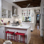 欧式厨房精美吧台设计