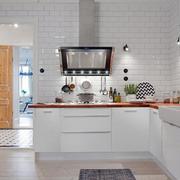 三室两厅厨房装修设计
