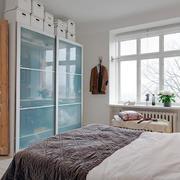 三室两厅简约卧室装修