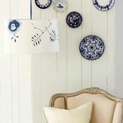 客厅背景墙青花瓷花纹装饰品