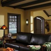 阁楼客厅皮制沙发装饰