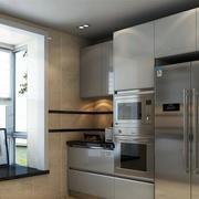 厨房大型窗户设计
