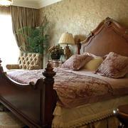 欧式卧室楠木床装饰