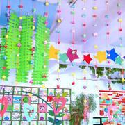 幼儿园彩色吊饰装修