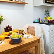 公寓餐厅桌椅设计
