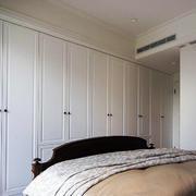 90平米房屋卧室整体衣柜