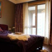 卧室梦幻双层窗户装饰