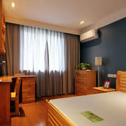 现代简约风格原木色实木卧室装饰