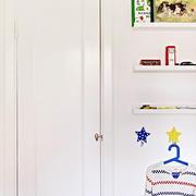 公寓简约风格卧室墙饰装修