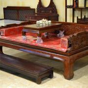 小型中式客厅原木床