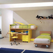 亮色儿童房橱柜装饰
