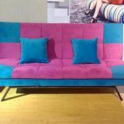 质地柔软的拼色沙发设计