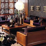 别墅客厅实木沙发装修