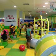 儿童游乐场简约吊顶设计