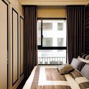 三室两厅卧室飘窗设计