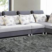 简约风格客厅灰色地毯设计