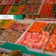 水果店简约风格塑料货架设计