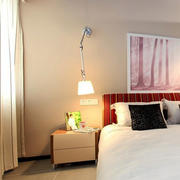 90平米小卧室床头灯饰