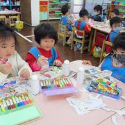 幼儿园节日教室装扮