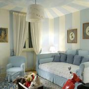 灰色儿童房小沙发图示