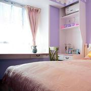浅紫色女生卧室窗户设计