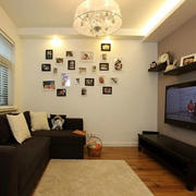 暖色系客厅照片墙